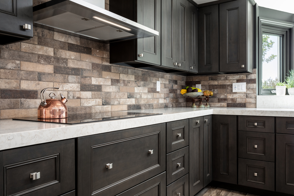 Kitchen Remodeling: What's In and What's Out This Summer